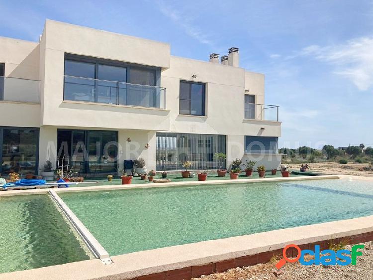 Villa de lujo disponible en venta en La Marina - Elche