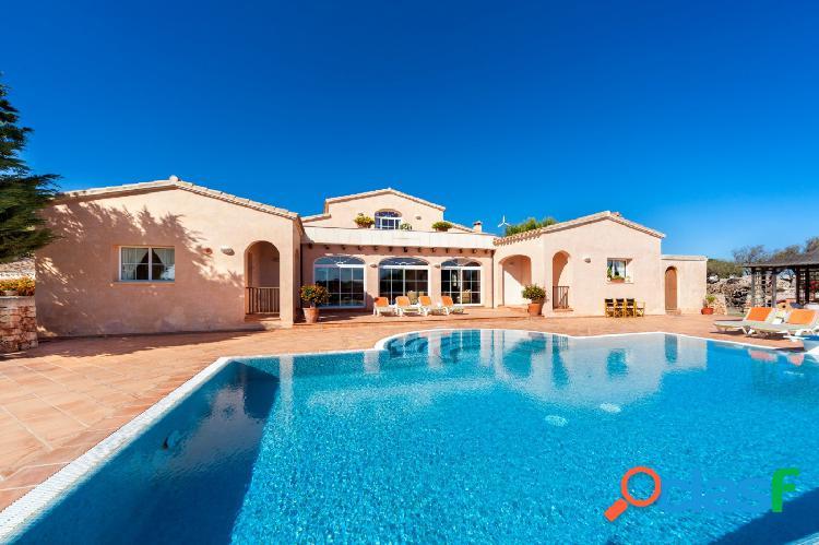 Villa de lujo en zona tranquila y privada