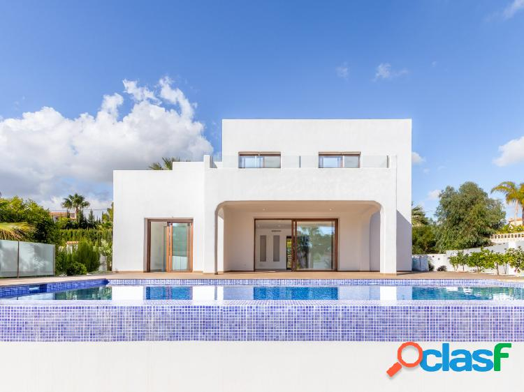 Villa de nueva construcción en la costa de Calpe a tan solo
