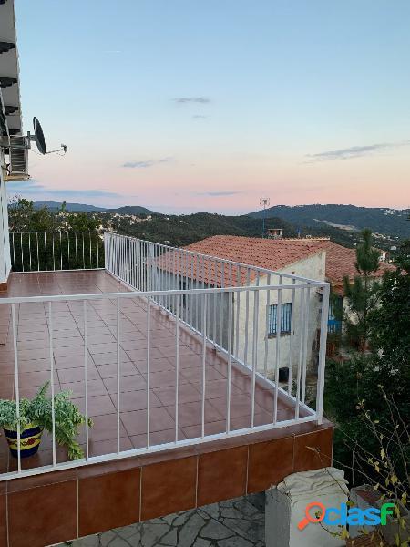 Villa en venta en la tranquila urbanización de Lloret Blau