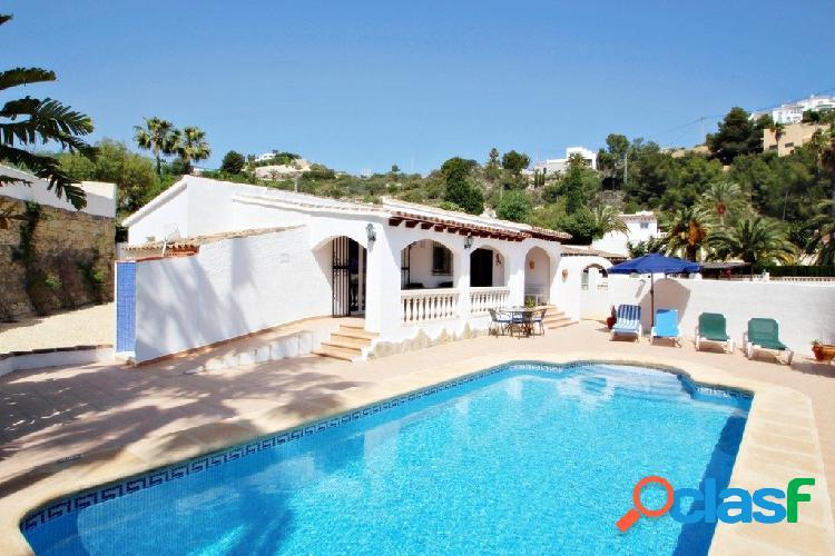 Villa encantadora situada en las colinas de Moraira,en la