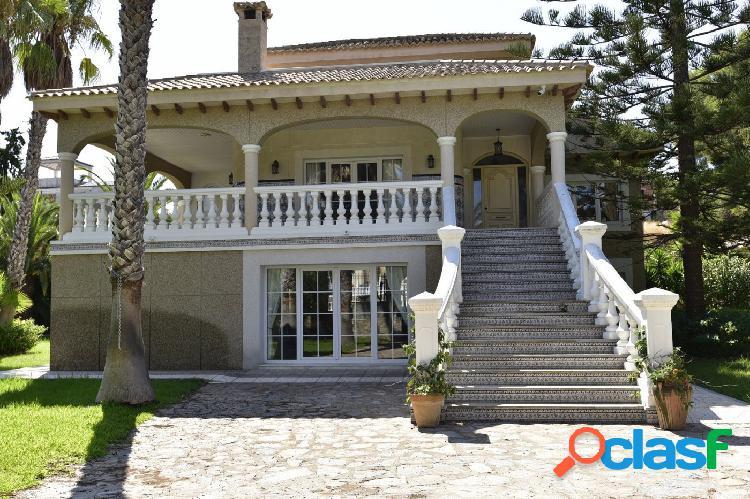 Villa grande en Villamartin Orihuela Costa