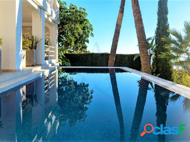 Villa independiente de lujo con vistas panorámicas al mar