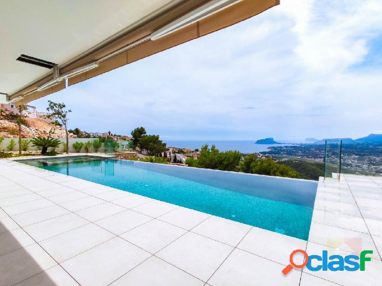 Villa moderna con vistas al mar en Cumbre del Sol
