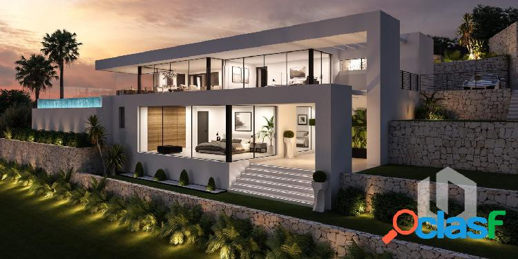 Villa moderna de nueva construcción con vistas al mar en