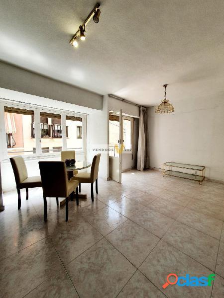 Vivienda con encanto, en pleno centro de Alicante.