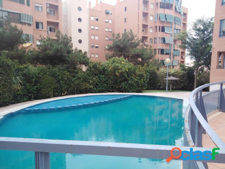 Vivienda con vistas al mar con piscina y garaje en Babel!!