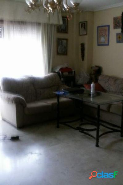 ZONA AVDA. DEL AEROPUERTO - Piso de 90 m2 con 4 dormitorios,