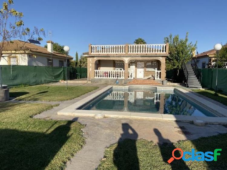 ZONA LA PERLA - Parcela de terreno de 1000 m2 con casa y
