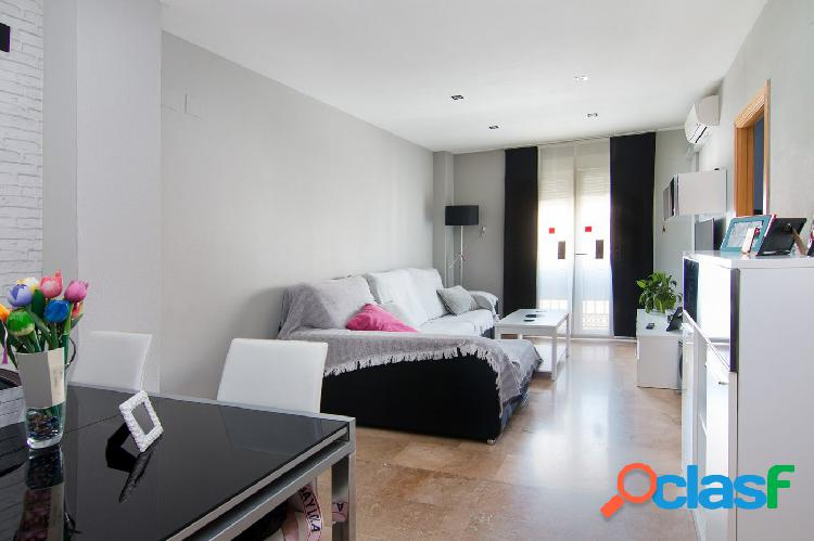 precioso piso de 2 dormitorios en la mejor zona de Huetor