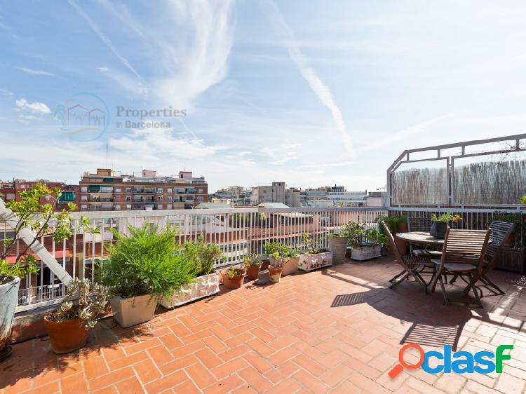 Ático en Barcelona zona Les Corts, 98 m2 de superficie, 32