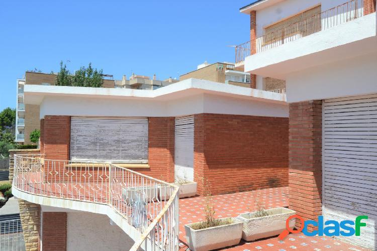 Edificio IDEAL INVERSORES en Torredembarra