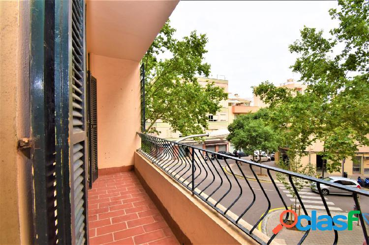 OPORTUNIDAD piso 3 habitaciones con balcón en Marqués de