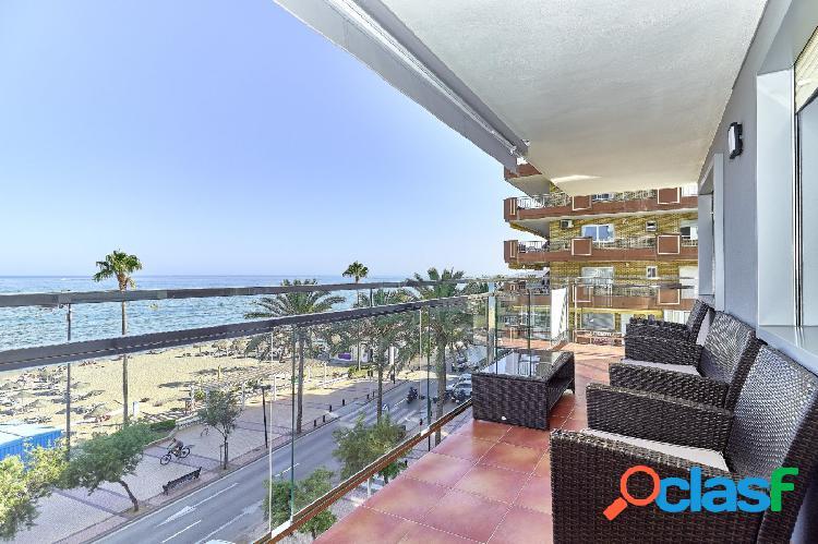 Piso de 3 dormitorios, 2 baños, parking y con terraza vista