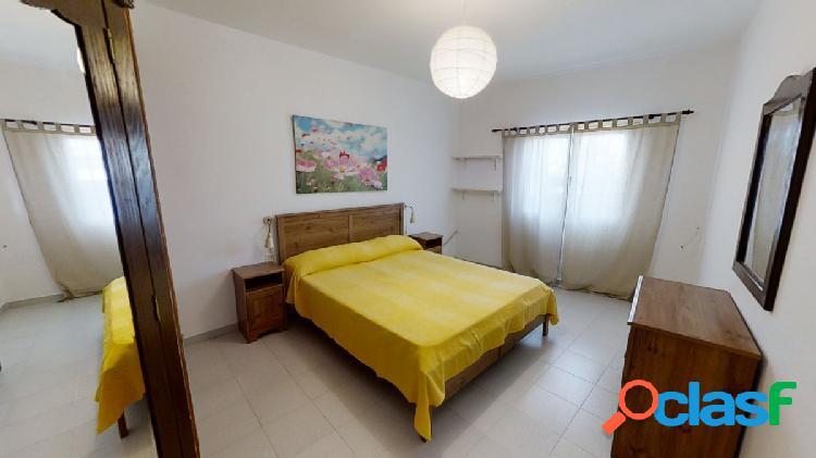 Se vende piso en San Bartolomé de Lanzarote.