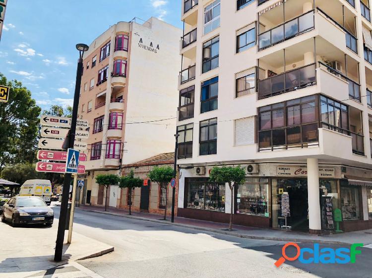 Amplio piso de 4 habitaciones en pleno centro de Guardamar