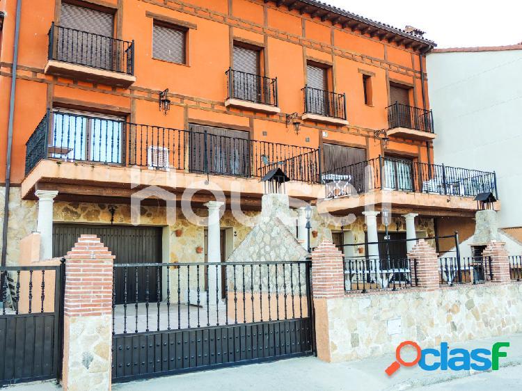 Casa en venta de 400 m² en Calle Palencia, 05490 Lanzahíta
