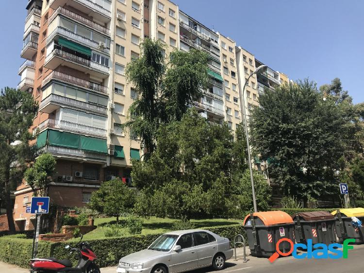 ESTUDIO HOME MADRID OFRECE piso muy luminoso de 79 m2, en