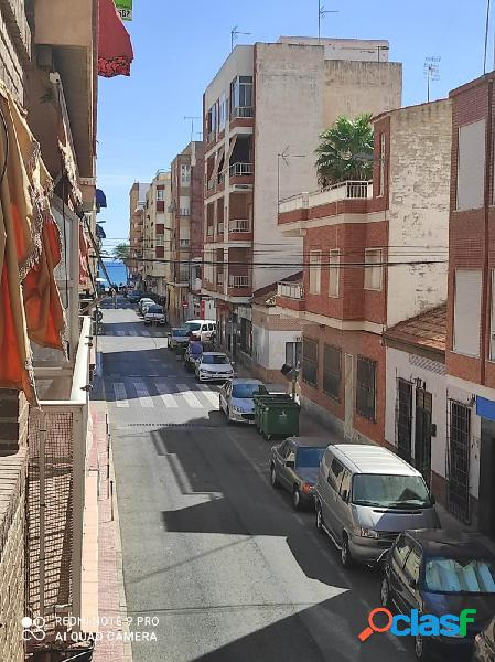 PISO DE 3 DORMITORIOS CENTRO DE TORREVIEJA