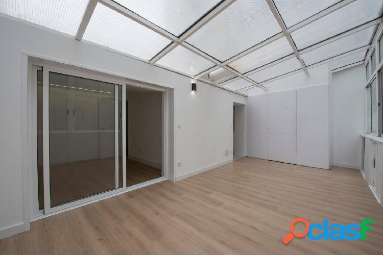 Piso de dos habitaciones a estrenar con terraza acristalada,