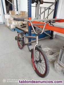 Se vende bicicleta monty bmx