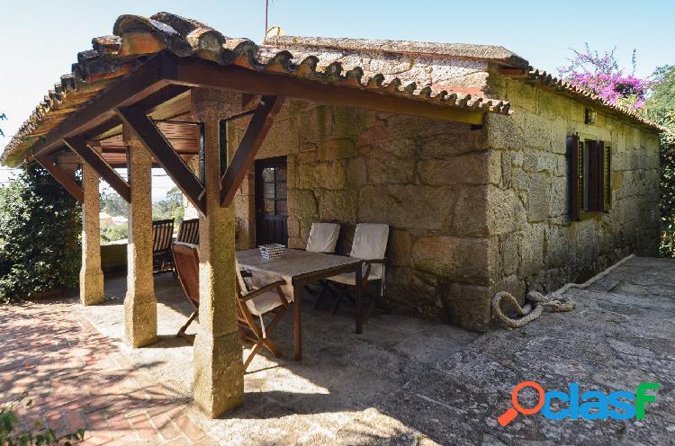 Singular conjunto de casas de piedra tradicionales