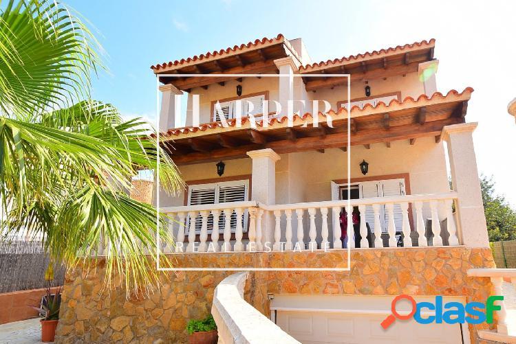 Acogedora casa unifamiliar cerca de la playa