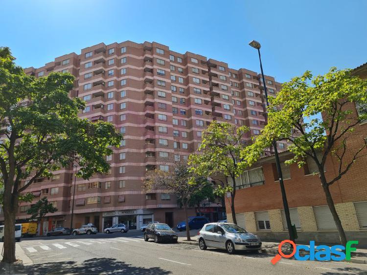 Alquiler de esplendido y luminoso piso en Avenida Juan Pablo