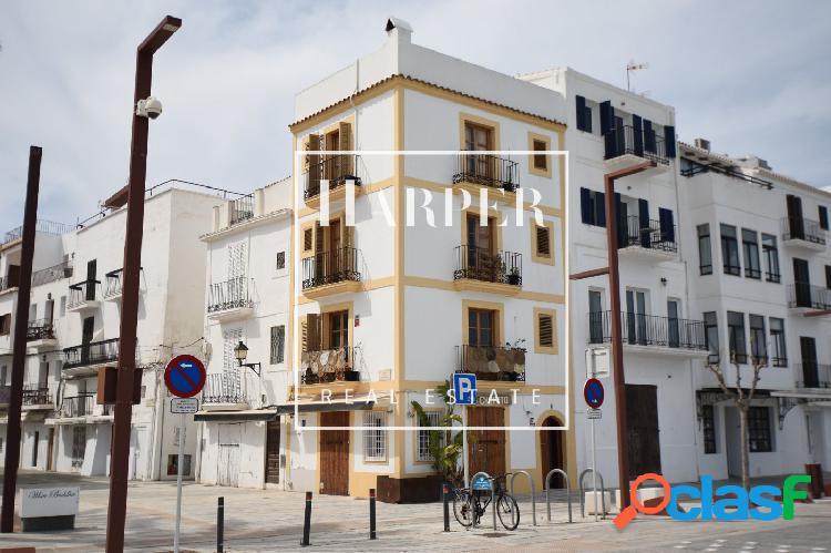 Casa adosada en primera línea del puerto de Ibiza ciudad
