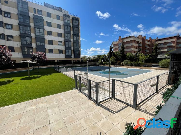 ESTUDIO HOME MADRID OFRECE piso de 63m², en urbanización