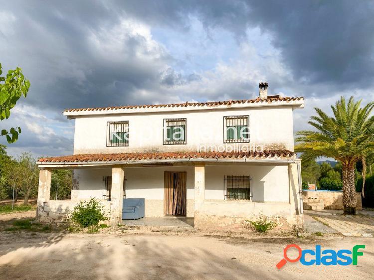 Gran casa de campo a la venta en Ontinyent