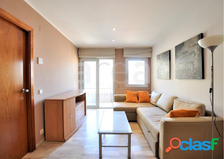 Luminoso piso con terraza en l'Eixample
