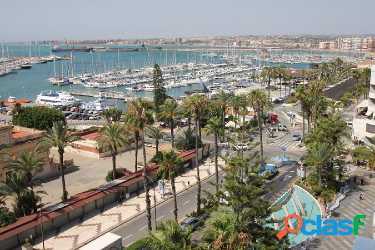 Piso en plaza Castelar con impresionantes vistas al mar