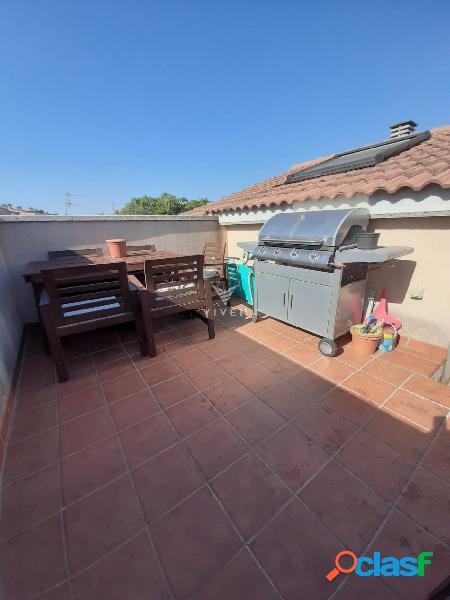 Precioso ático dúplex con terraza y amueblado!!