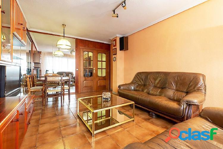 Urbis te ofrece un piso en alquiler en zona Delicias,