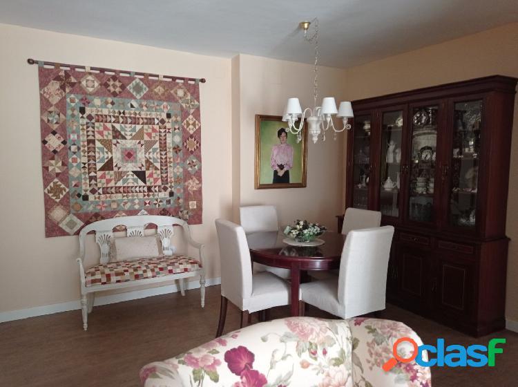 Amplio y acogedor piso en el centro de Castilleja