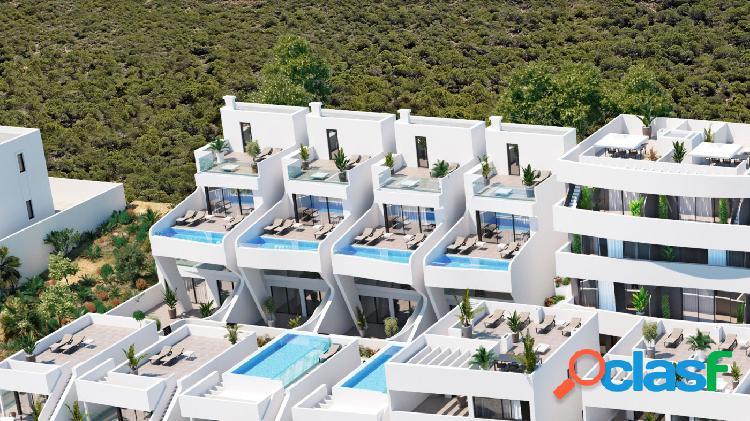 Atico de 2 dormitorios con Vistas al Mar y Parking a 500 m
