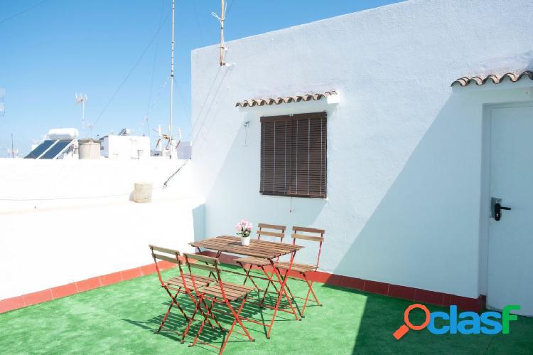 Estupendo piso con terraza céntrico