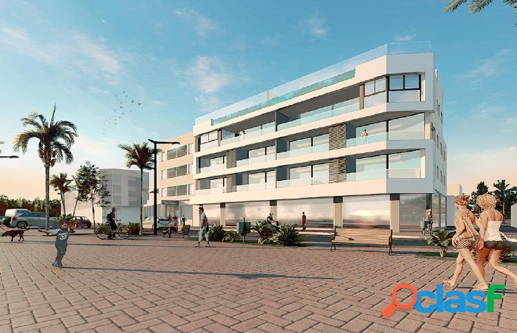 Lujoso apartamento de 3 dormitorios en el paseo marítimo y
