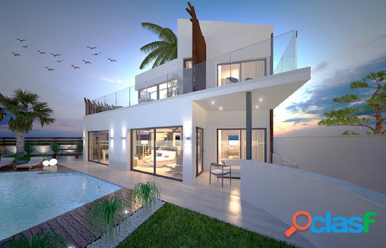 Villa de 4 dormitorios en el Golf, cerca de las playas.