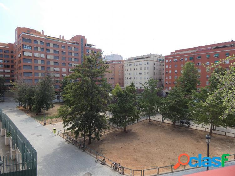 Vivienda de 145 m2 con 5 habitaciones en Nou Moles