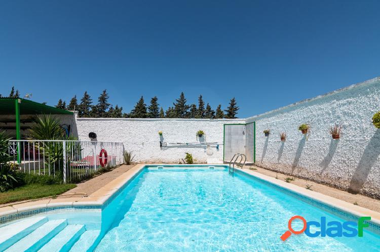 Chalet con piscina en Pinar de los Franceses