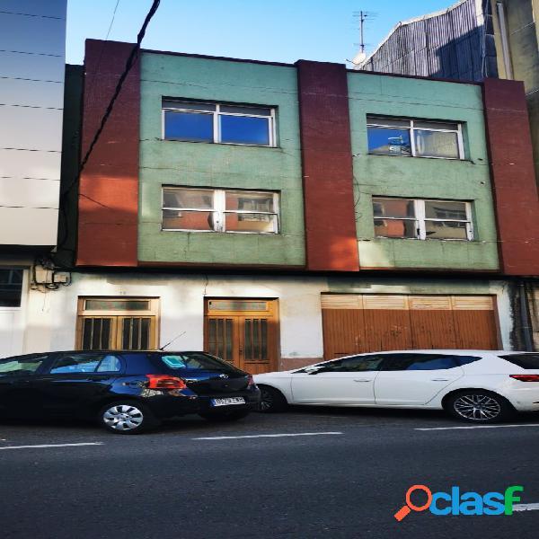Edificio en Carballo a 300 metros de la Plaza de Galicia
