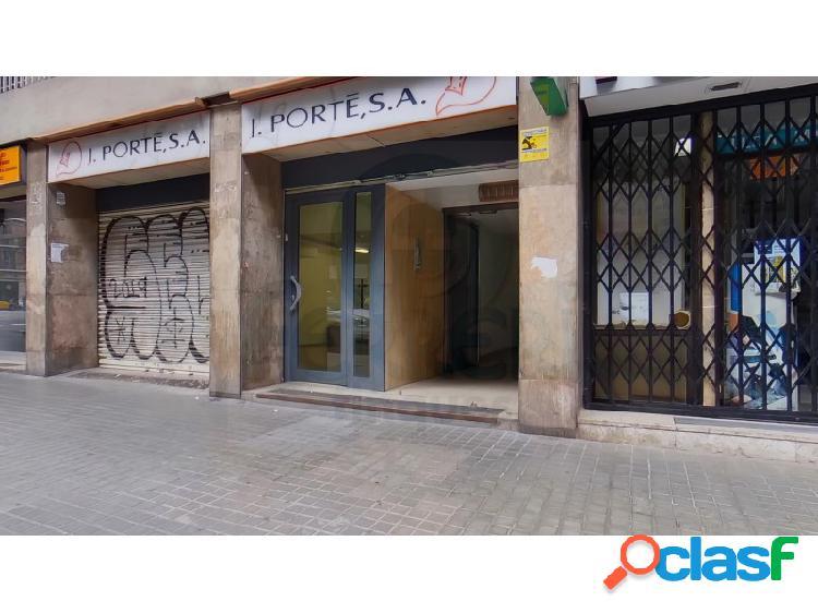 En calle Bailén - Aragó, en zona muy céntrica de la Dreta