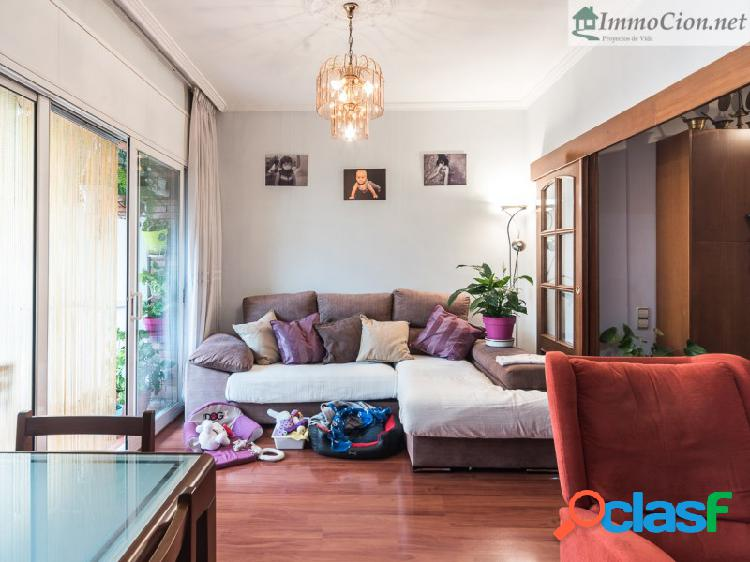 Luminoso piso de 3 habitaciones en PobleSec