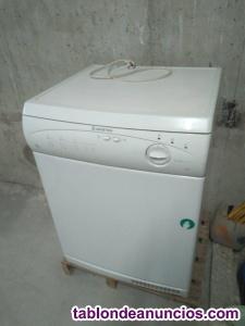 Vendo secadora Ariston 6 kg