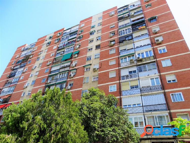 ESTUDIO HOME MADRID OFRECE piso de 63 m2 construidos, con