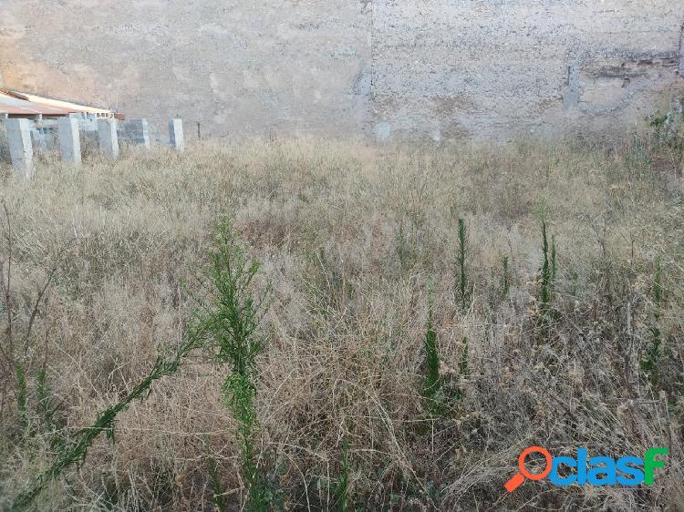 GRAN OCASION - CASA PARA REFORMAR CON UNA PATIO DE 450 M2.