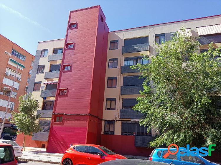 Piso en Madrid zona Villaverde Bajo