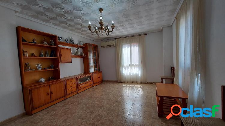 Piso en venta de 3 habitaciones en zona playa de Puerto de